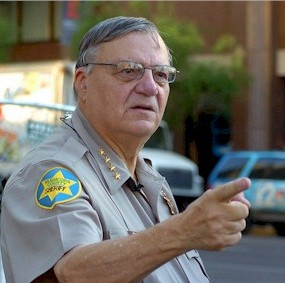 http://www.wnd.com/files/2012/01/arpaio_pointing_298x283-285x283.jpg