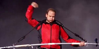 Nik Wallenda crossing Niagara Falls