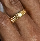 http://www.wnd.com/files/2012/10/OBAMA-RING-closeup-12-clear-photo-as-president.jpg