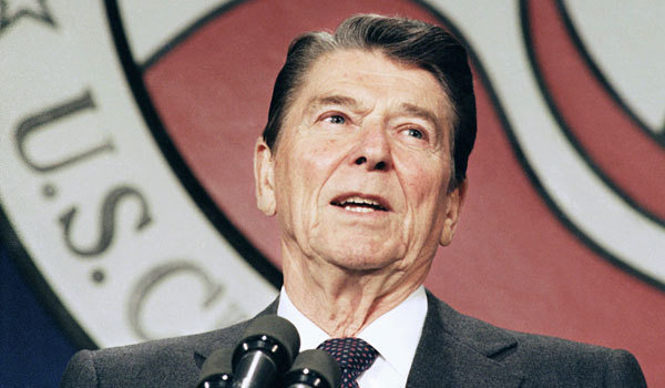 la-et-st-survey-ronald-reagan-would-beat-obama-001