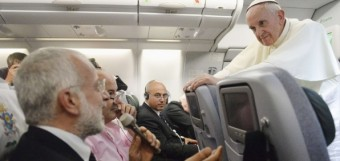 pope-francis-plane