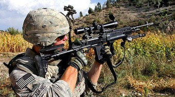 army-soldier-aiming-gun-600