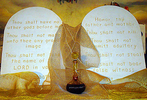 The Ten Commandments On Display At 13th Annual Bible Marathon In Stuart Fla
