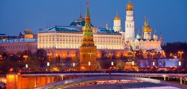 moscow-kremlin-night