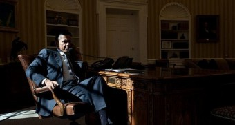 obama-shadows-phone-oval-office-600x320 (1)