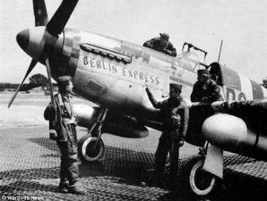WWII pilot who flew through Eiffel Tower dies - WND