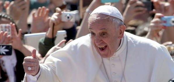 pope_francis_thumbs_up.jpg