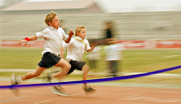 A9DCNF Students compete in 100m sprint race