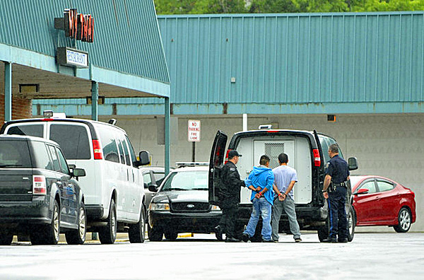 Sum Ting Wong Feds Bust Illegals At Chinese Restaurants Wnd