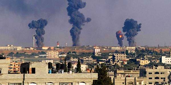 Israeli airstrikes hit Gaza strip after Hamas attacks in 2014