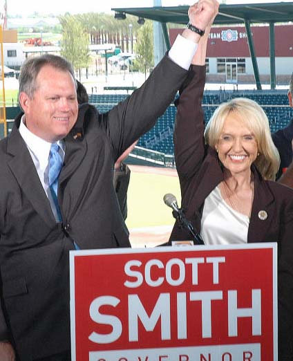 Jan Brewer endorsed former Mesa Mayor Scott Smith during a news conference