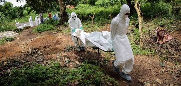 Volunteers bury Ebola victims in Sierra Leone