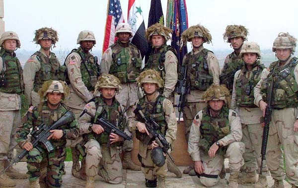 Command Team 1-22 Infantry - Iraq. LTC Russell is kneeling, second from right (Photo: 1-22infantry.org)