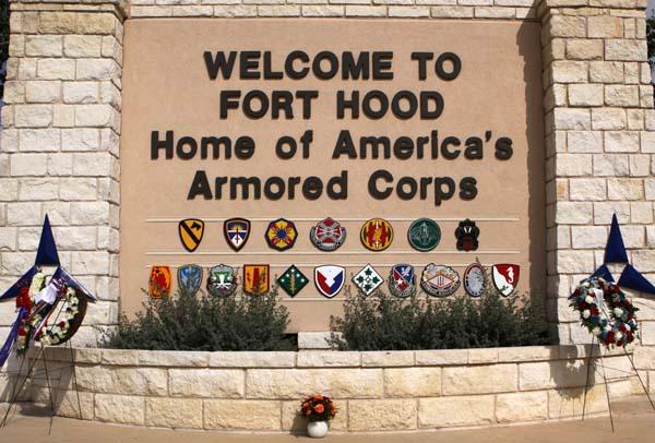 fort_hood_sign