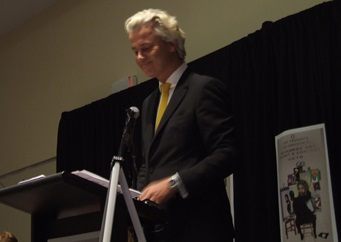 Geert Wilders speaks to a welcoming crowd Sunday night in Garland, Texas (WND photo).