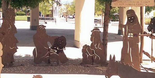 A nativity scene in Belen, New Mexico, has sparked a furor from an atheist group.