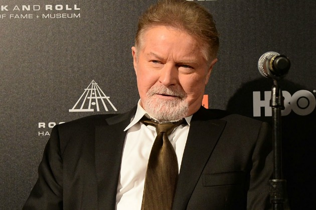 Don Henley earned a  million dollar salary, leaving the net worth at 28 million in 2017