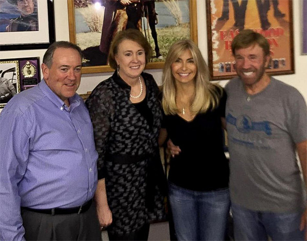 Republican candidate Mike Huckabee poses with his wife, Janet, second from left, action movie star Chuck Norris and his wife, Gena, during a Sep. 27, 2015, event Norris held at his Texas ranch for Huckabee (Photo: Twitter)