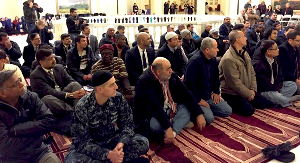 Men take part in Oklahoma Muslim Day at the Capitol in Oklahoma, City, Oklahoma, Feb. 27, 2015. (Image: Facebook, CAIR)