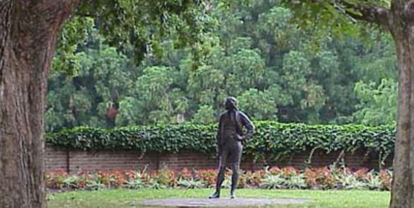 The statue of Thomas Jefferson at William & Mary College (Credit: William & Mary College)