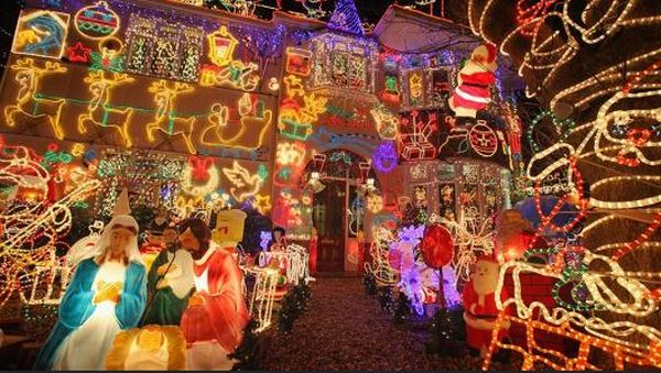 Festive Christmas lights adorn a detached house in a suburban street December 5, 2009, in Melksham, England (Getty Images, file)