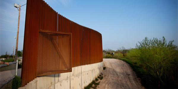 The edge of a fence near the U.S.-Mexico border in Hidalgo, Texas, in 2014 (Photo: National Public Radio)