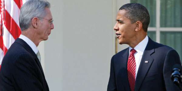 John Poindexter and President Obama shake hands at the White House (Credit: Via DC Whispers)