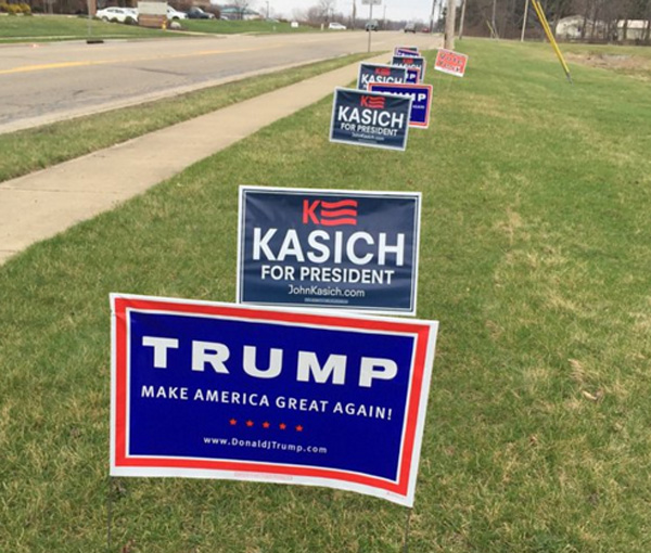 Campaign signs posted in Ohio (Photo: Twitter/MLSchultze)