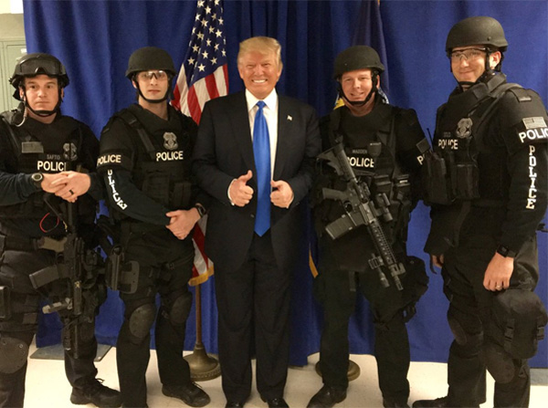 Donald Trump tweeted this image of himself with police officers in West Allis, Wisconsin, on April 3 (Photo: Twitter)