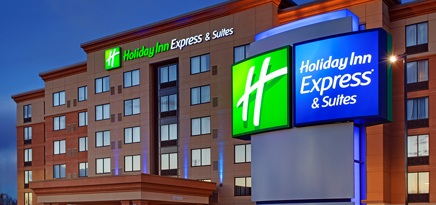 Trump Stays At Holiday Inn Express, Twitter Explodes