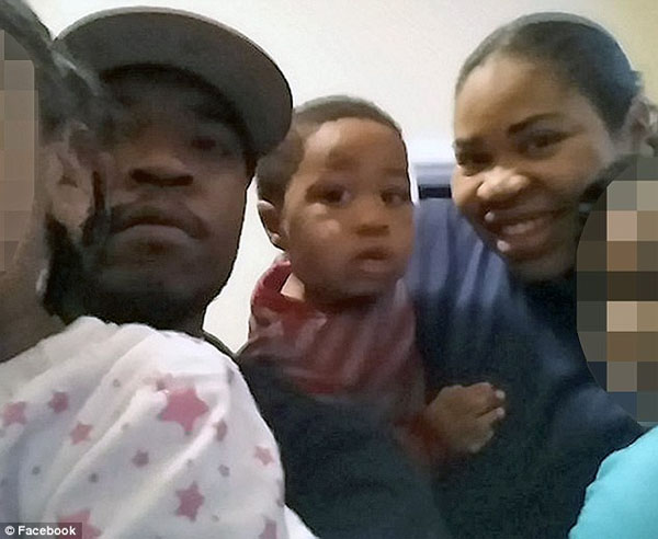Isiah Dickerson is seen with his mother Michelle Gregg, 32, and his father Deonne Dickerson, 36 (Photo: Facebook)