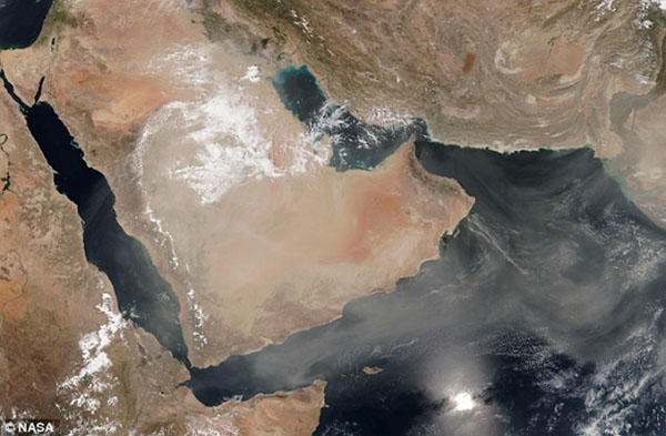 On April 7, 2015, a sandstorm almost the size of the continental United States swept across Saudi Arabia and Yemen in an act of nature that made global headlines