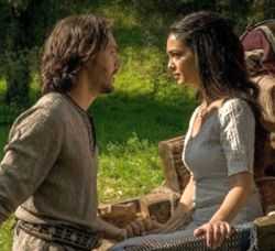 "Judah ""Ben-Hur"" (Jack Huston) and Esther (Nazanin Boniadi)"
