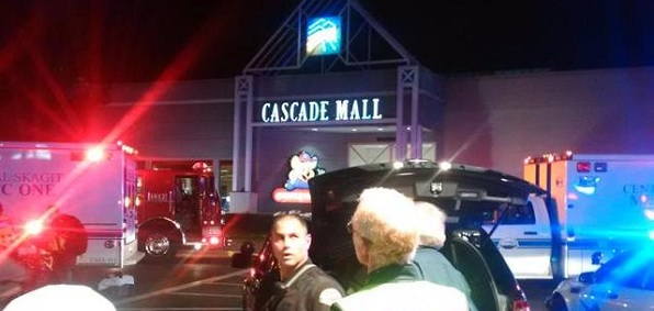 Shooter on the loose after killing 4, wounding 1, in mall near Seattle
