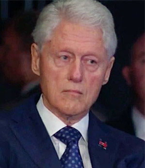 Bill Clinton's face as Trump discusses rape accusations during second presidential debate (Photo: Twitter)