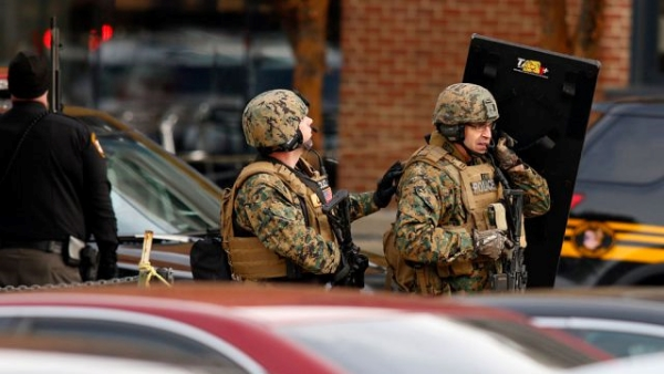 Police SWAT teams respond to Ohio State University campus stabbing spree on Nov. 28, 2016, by Somali refugee Abdul Ali Artan. Getty Images/Twitter