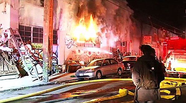 Oakland-rave-warehouse-fire-watching-600-2