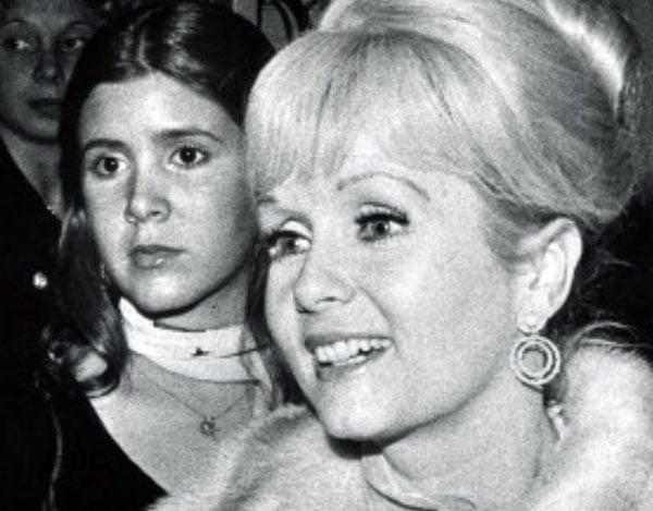 Carrie Fisher S Mom Debbie Reynolds Dead At 84
