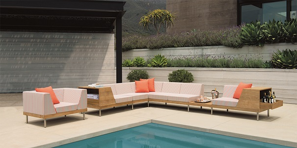 Sample of Janus et Cie lawn furniture