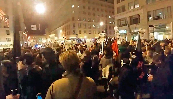 Crowd of protesters outside 'Deploraball' (Photo: Twitter)