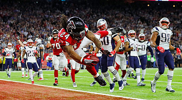 super-bowl-51-atlanta-falcons-new-england-patriots-football-screenshot-600