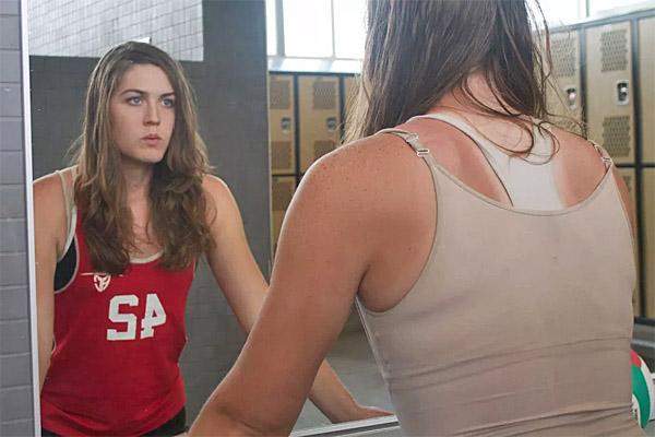 Transgender volleyball player Chloe Psyche Anderson, born a male, plays on U.C. Santa Cruz's women's volleyball team (Photo: UC Santa Cruz/Claire Ortiz)