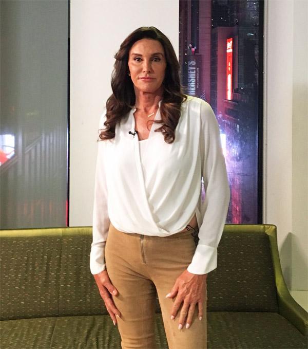 'Caitlyn' Jenner behind the scenes before the big interview with Tucker Carlson on April 24 (Photo: Twitter/Tucker Carlson)