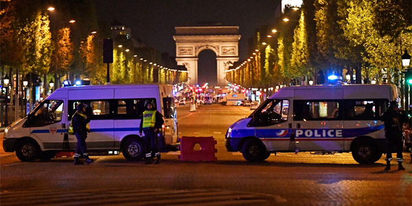 "Alleged ISIS ""fighter"" opens fire on police in Paris, France, on April 20 (Photo: Twitter)"
