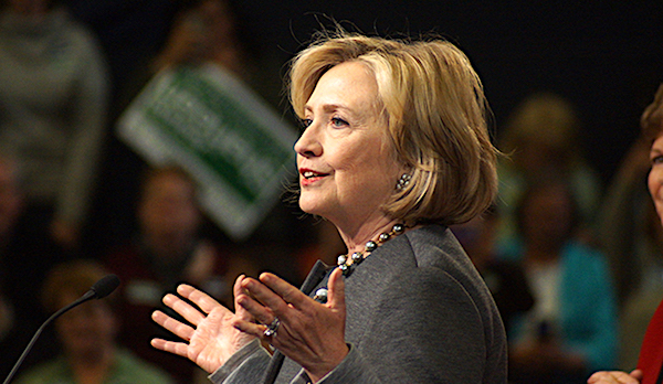 Hillary-Clinton-hands-600