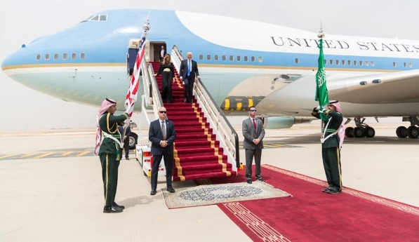 President Donald Trump and First Lady Melania disembark in Saudi Arabia, Sunday, Jan. 21, 2017.