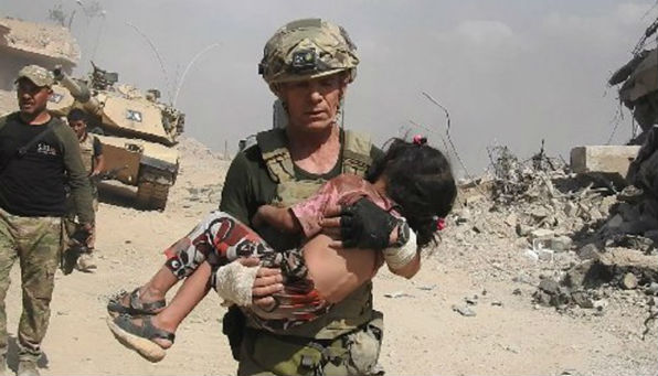 David Eubank rescues Iraqi child.