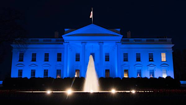 white-house-blue-600