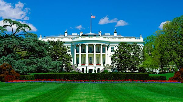 white-house-lawn-FB-600
