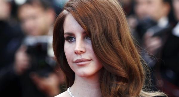 Lana Del Rey: Full time singer, part-time hocus-pocus practitioner